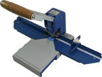 Werkzeug zu M70, Daumenlochleiste
